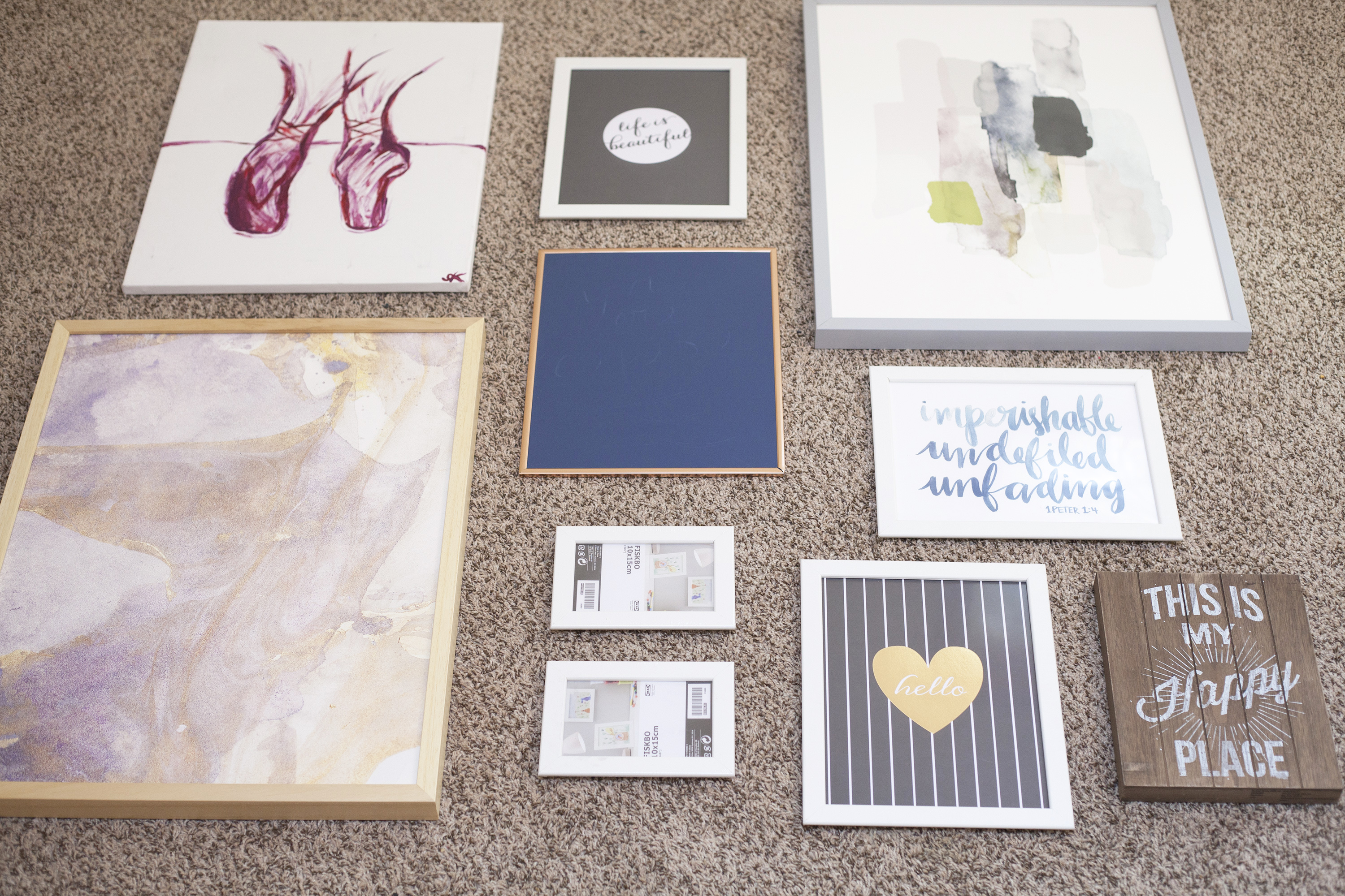 How To Create A Gallery Wall | Coffee With Summer
