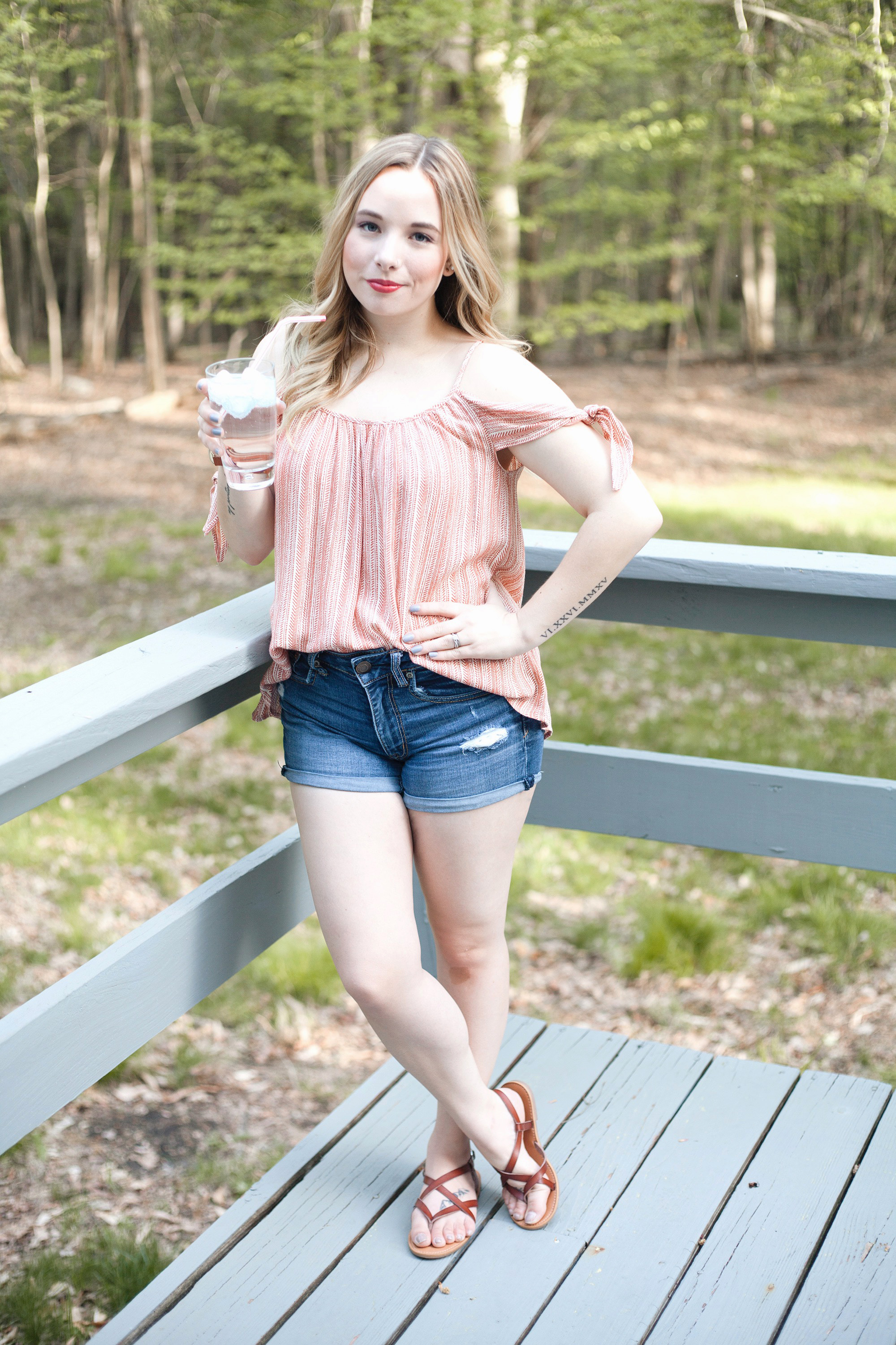 Peach Could Shoulder Tank-Top | Coffee With Summer