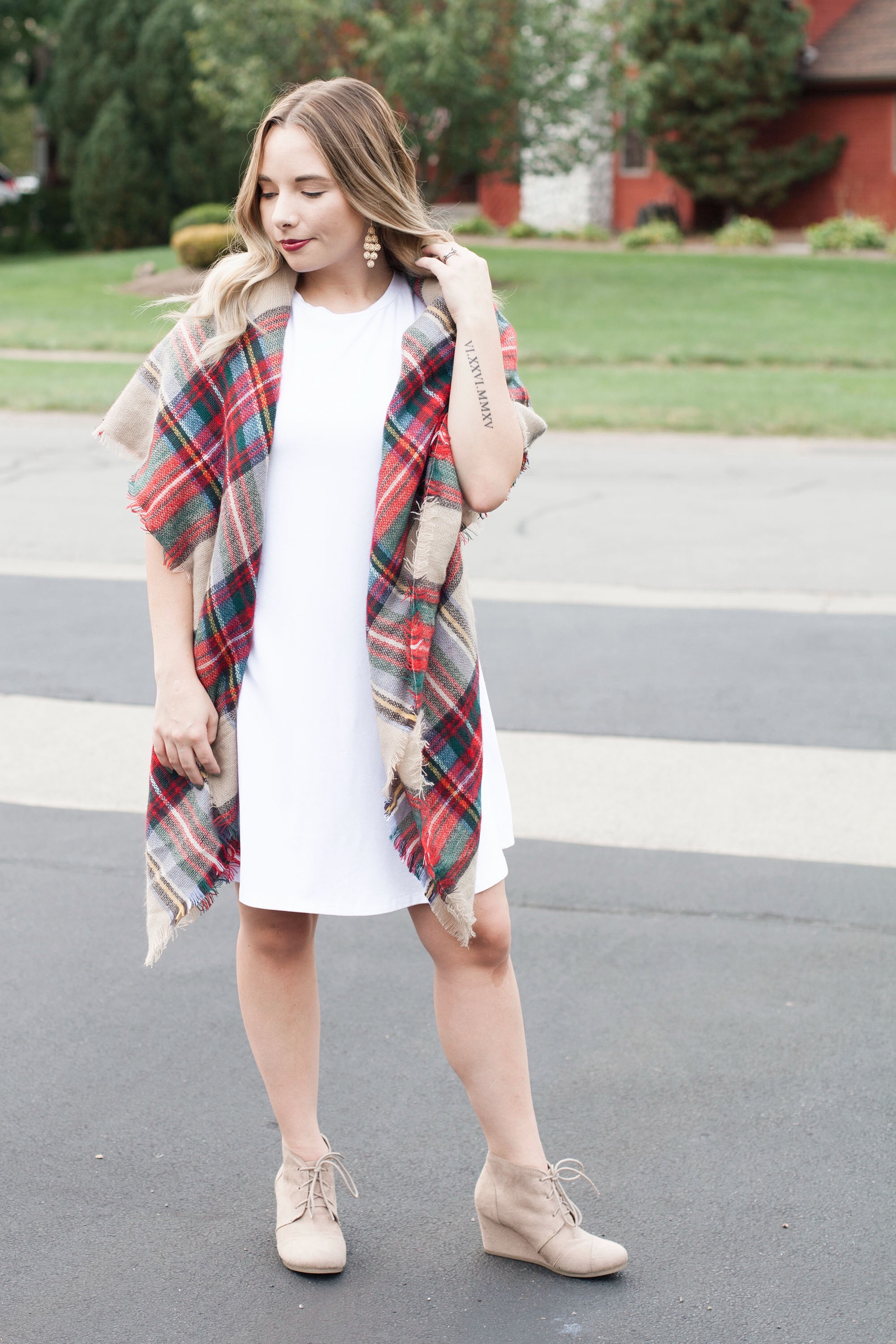 White, Casual Dress With A Blanket Scarf | Coffee With Summer
