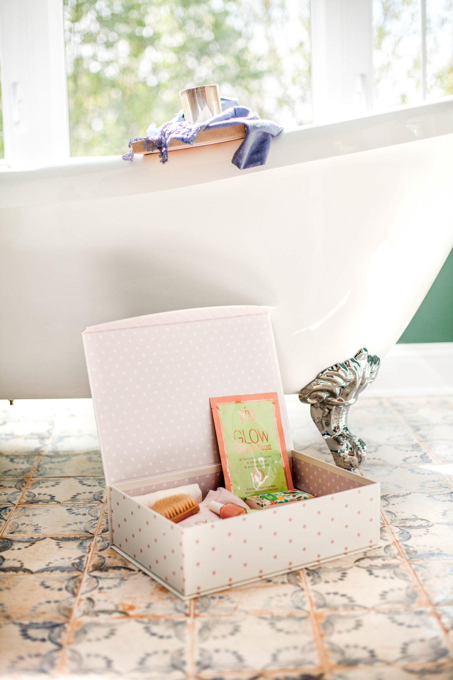 How To Make A Self-Care Box